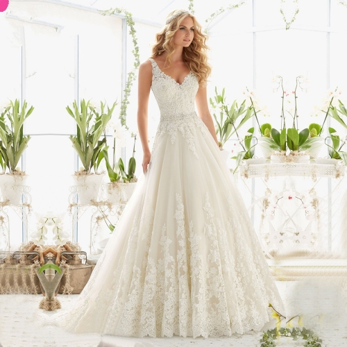 New spring and summer Europe and the United States bride drag tail sexy lace wedding dress