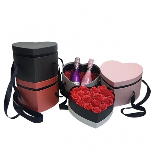 New heart-shaped ribbon hand-held delicate Valentine's Day bouquet gift box double surprise wedding with hand gift box
