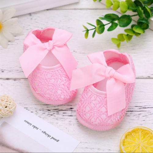 Anti-skid soft soles of baby shoes in spring and summer