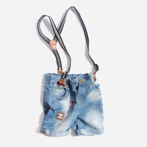 Children's jeans, braces, pure cotton boys' summer pants, 2020 summer trendy children's clothes, baby five-cent shorts.